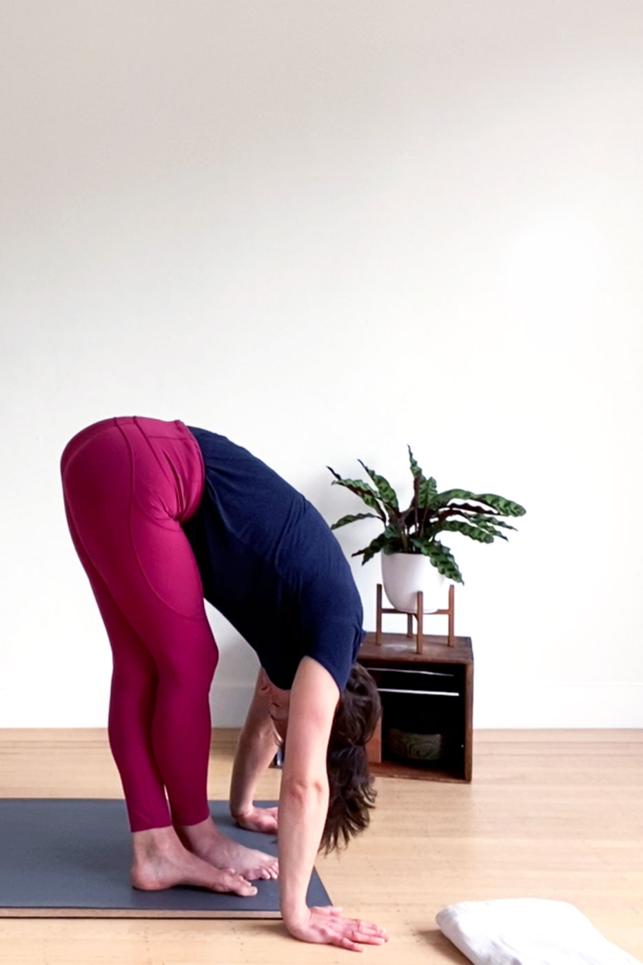 Moving Meditation Yoga Practice by active vegetarian